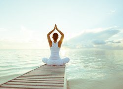 The advantages and disadvantages of yoga